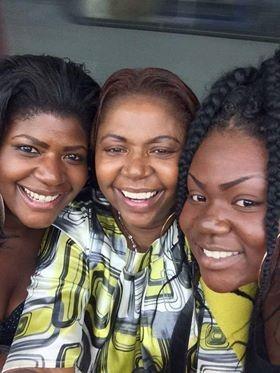 Rosa, com as filhas