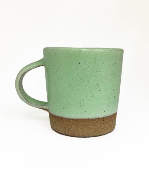 caneca de cerâmica verde claro