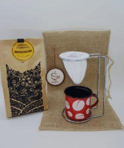 cafe castorino saquinho de juta e caneca vermelha